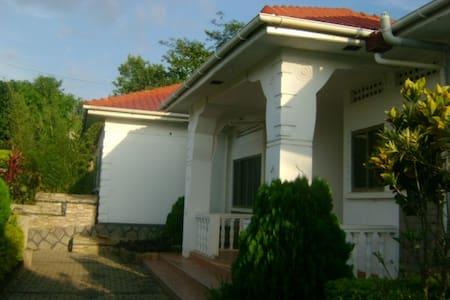 Genesis Campsite - Haus