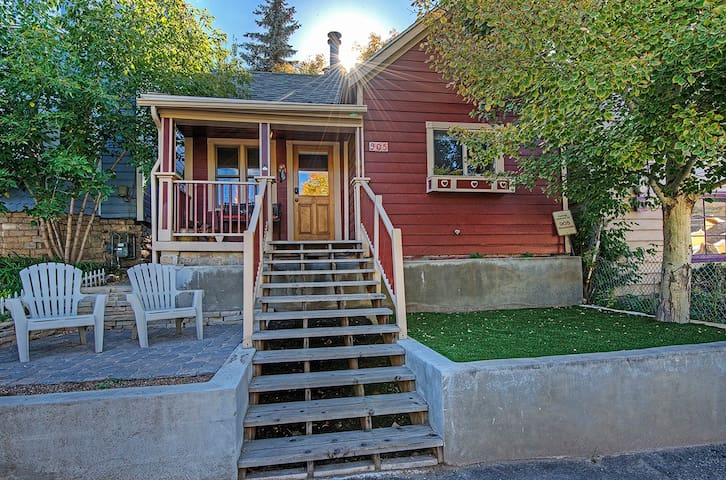 Quaint Ski Cottage In Old Town Cabins For Rent In Park