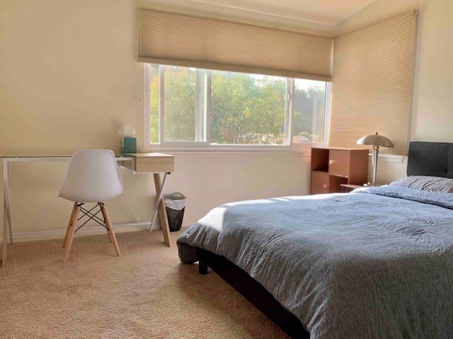 Cozy Bedroom #2, Quiet and Peaceful neighborhood