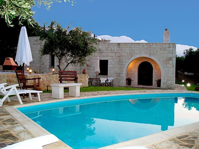 Traditional Stone Villa  with Pool  - Chania