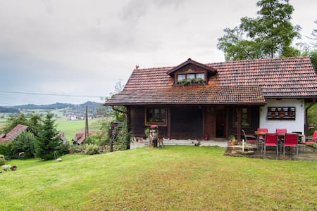 Authentic house in peaceful village - Selnica - Chalé