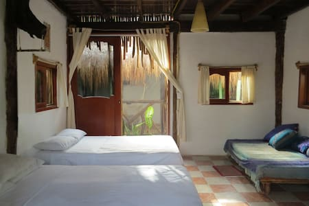 "Room ""Colibrí"", Balcony & Cenote, Beach Zone - Tulum"