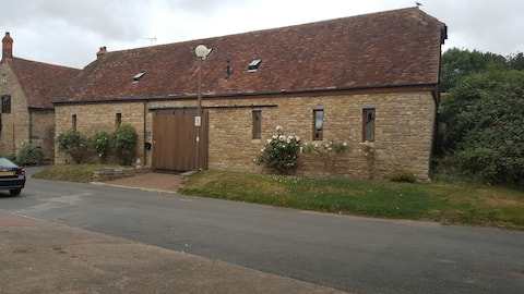 The Snug at the Barn, Milton Keynes