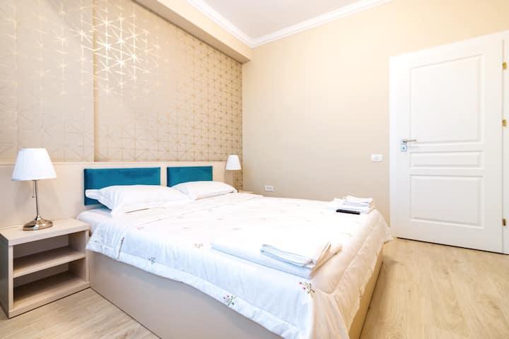 Cartagena Navy Blue Velvet Apartment* Mamaia Nord*