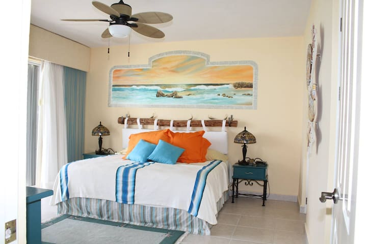 Oceanfront Condo - Relax, Play and Enjoy - San Miguel de Cozumel - Condominium