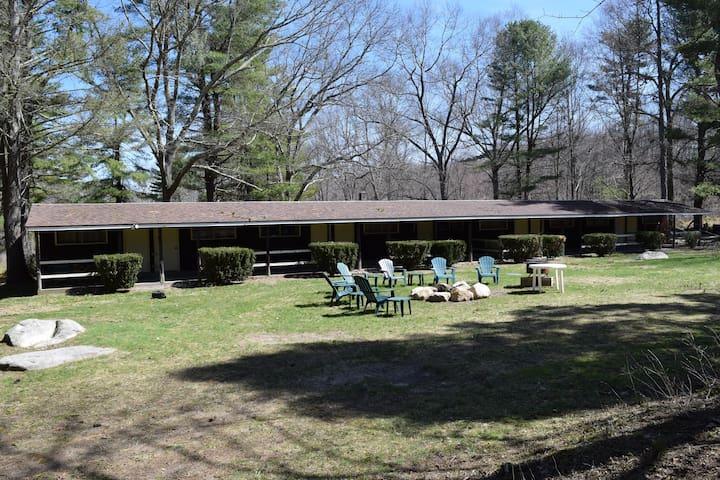 Tamarack Lodge Room #2