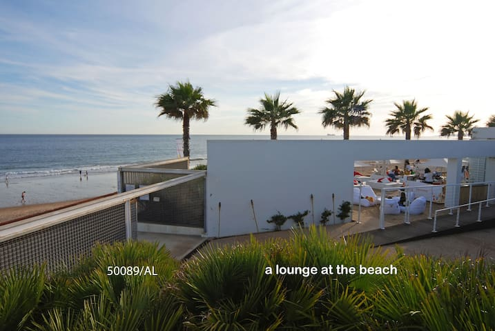 Apartment with sea view, in Carcavelos surf beach