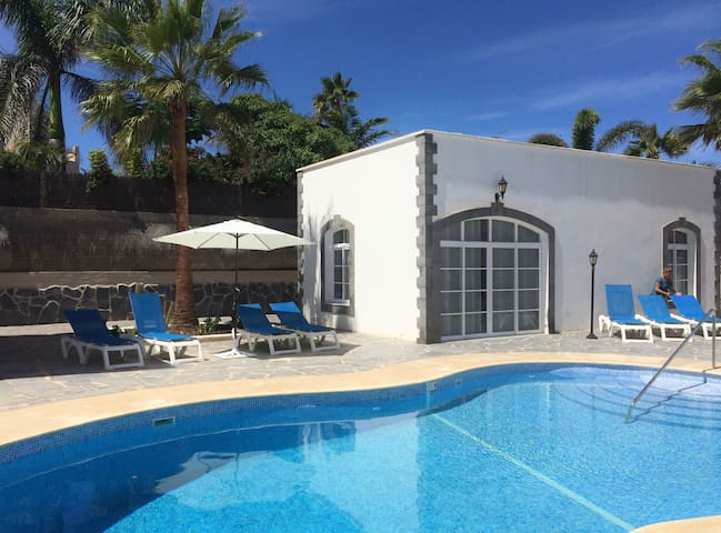 BEST CHOICE NEW VILLA - Pool and roof terrace