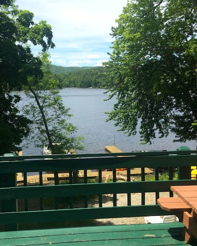 1 BR Waterfront Cottage - Lake Luzerne-Hadley - Cottage