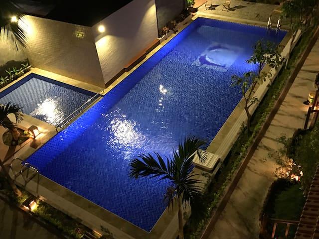 Triple Bungalow with Pool View neach Beach - Thành phố Phú Quốc - Bungaló