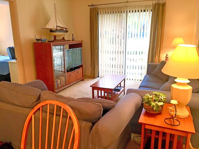 Fiddler's Cove - Comfortable Ground Floor Villa!