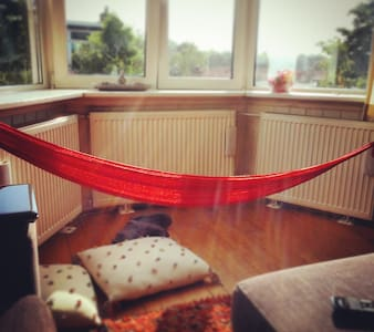 Spacious apartment with hammock! - Rijswijk - Apartment