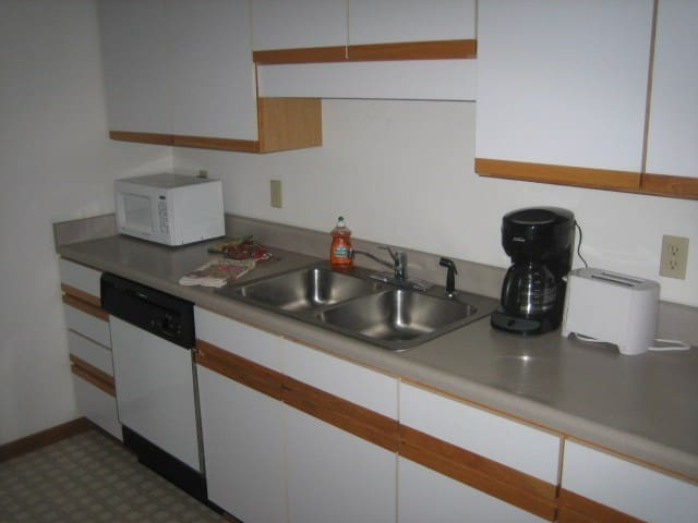 Two Bedroom Two Bath - Indianola - Leilighet