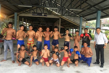 Thai boxing home at sea