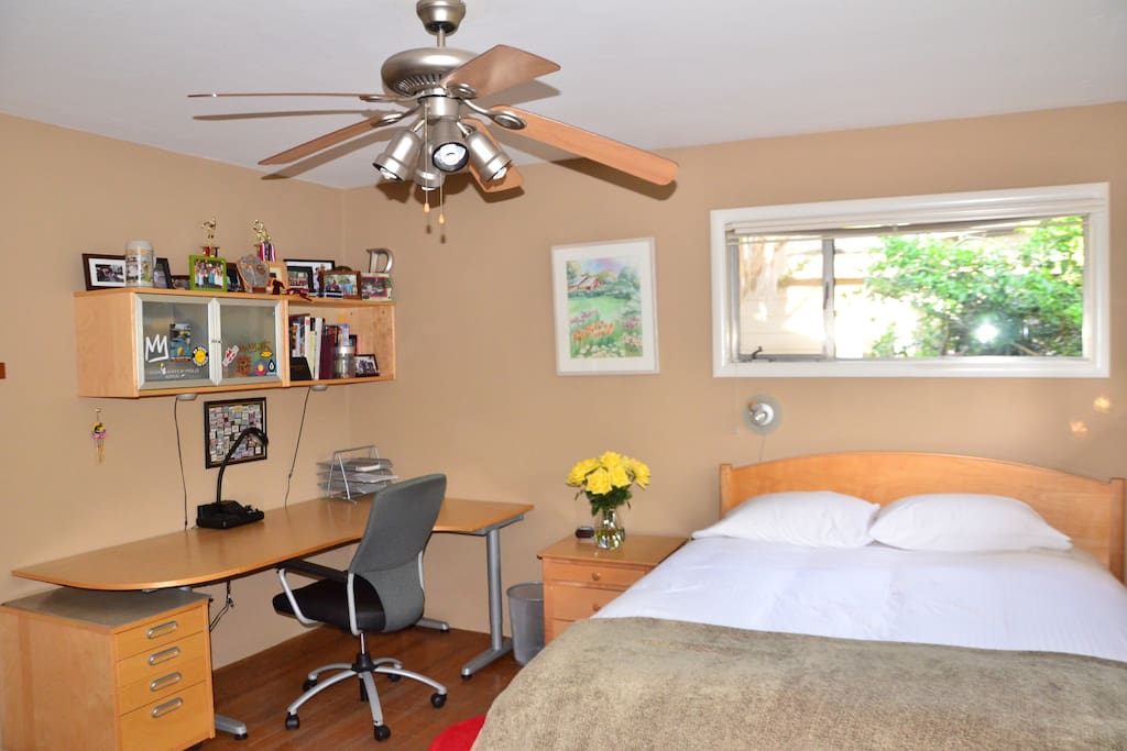 Room size 13'x13' (3.96m x 3.96m)