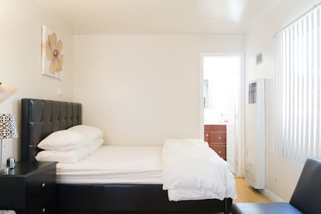 New studio !with the entire rental private enter。 - Alhambra - Wohnung