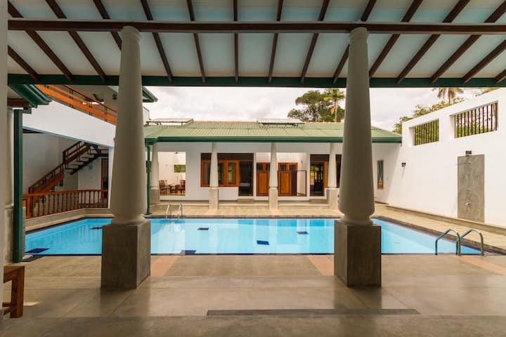 Single Room with Attached Bath-Nelum Villa