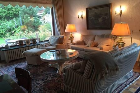 Rosi`s hideaway stilvoll wohlfühlen in Haus&Garten - Βερολίνο - Μπανγκαλόου