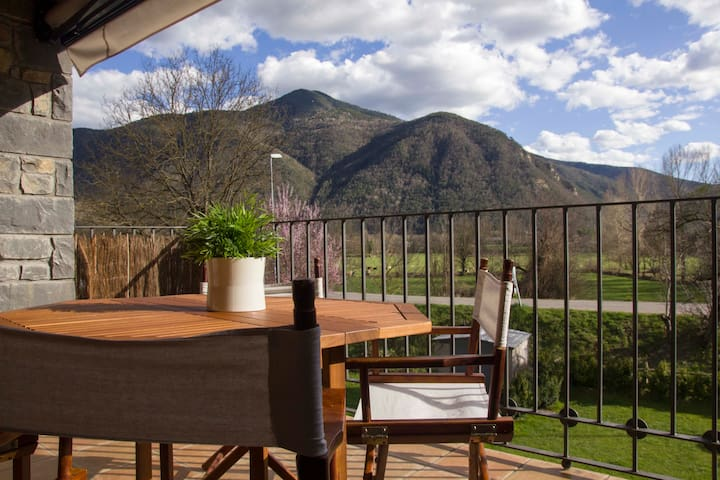 Parque Nacional de Ordesa, Pirineos - Sarvisé - Lejlighed