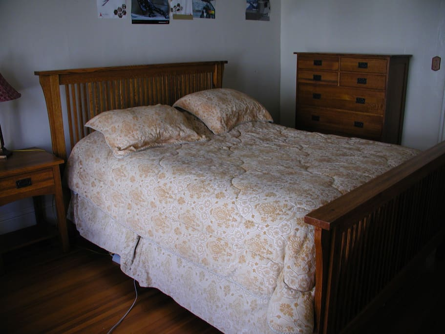 Queen bed, excellent mattress, mission furniture