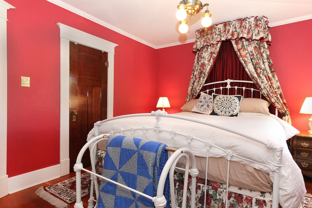 Main bedroom/queen sized bed. Ensuite bathroom / sitting room / private deck