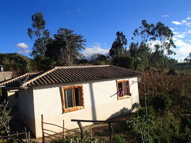 Loma Wasi Village - Cotacachi - Bed & Breakfast