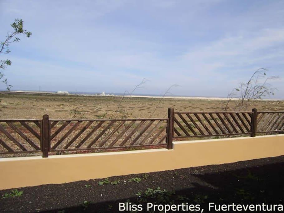 il confine tra noi e il parco dune di corralejo