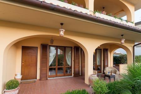 Villetta toscana ottima posizione - Cantagrillo - Villa