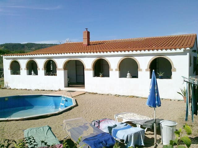Prachtige villa in de vallei van Zarra - Zarra