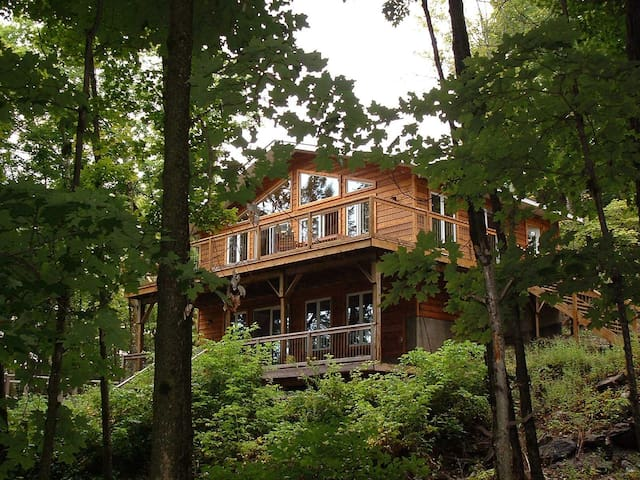 Haliburton Forest Retreat - Dysart and Others - Cabin