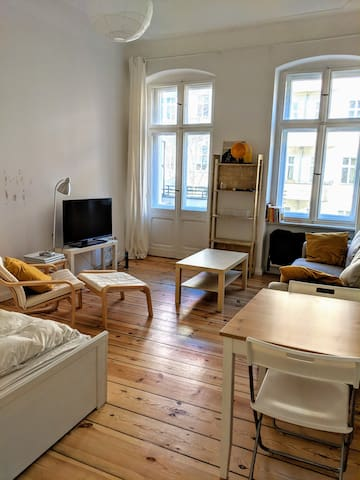 Bright cozy studio located in Alt-Treptow