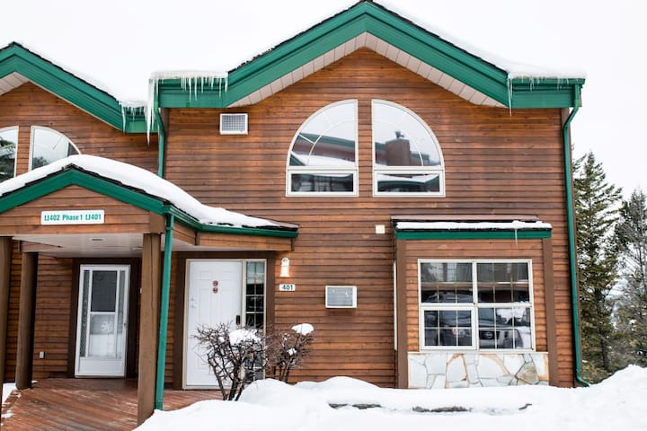Marble Canyon 3 Bedroom Townhome: Units 401 Phase 1 Golf Course View