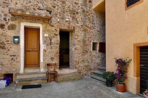Casa Francesco nel centro storico di Tatti