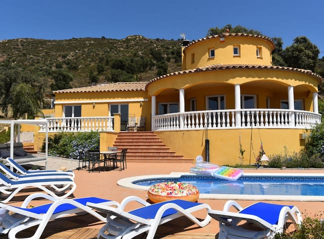 Casa Albera · Casa Albera - con piscina y fantásticas vistas