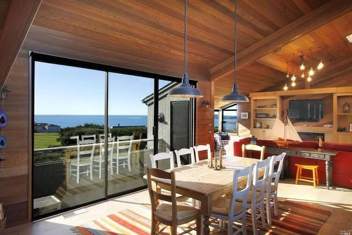 Beautiful Escape in Bodega Bay with Ocean View