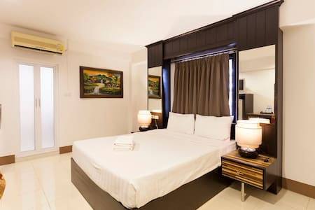 Chana Place's Superior Double Bed - Chiang Mai - Apartamento