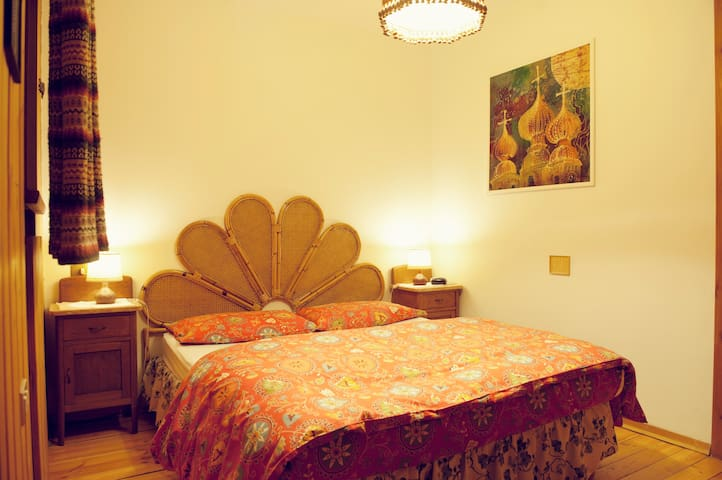 B&B Villa La Bercia Red Room