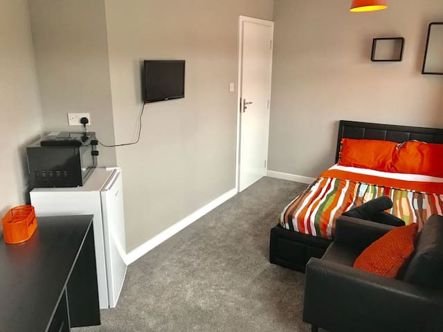 Quality rooms to rent with en-suites