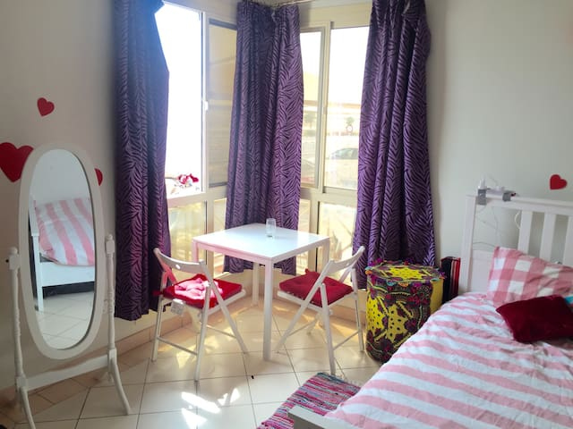 Fully Furnished Studio , Barwa City - Doha - Apartament