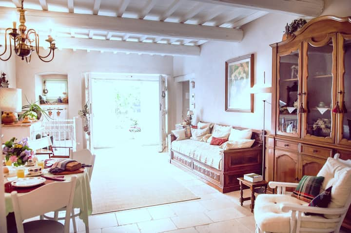 Eco-friendly room in TUSCAN farm PODERE MONTISI