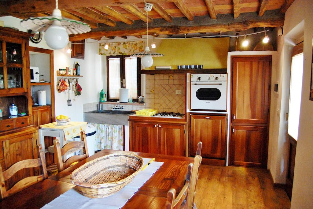 Spacious kitchen with all mod cons.
