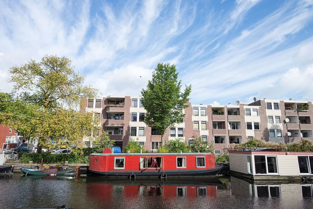 Houseboat 39 iris milanova 39 a center boten te huur in for Te koop amsterdam noord