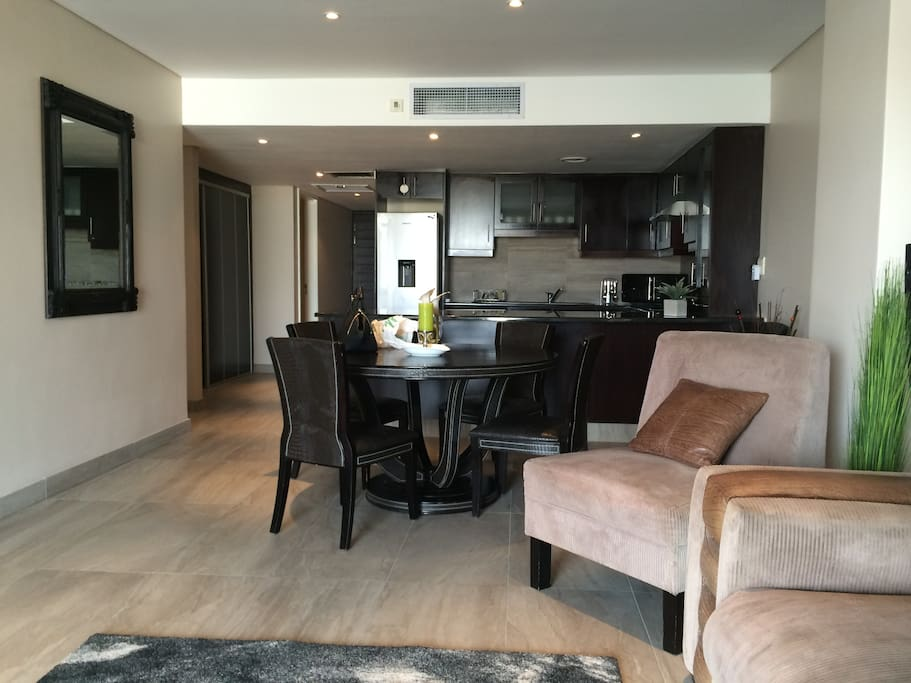 Fully air-conditioned 3 bedroom 3 bathroom apartment