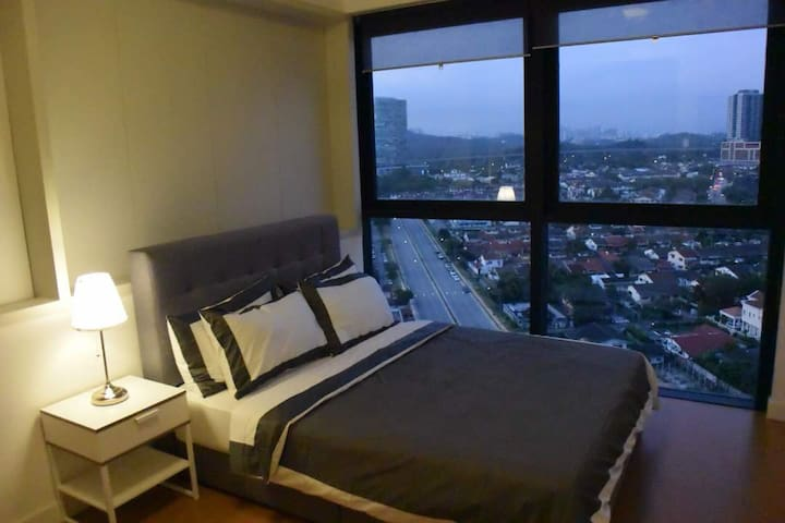 SS2 Petaling Jaya-Luxury 2 Rooms Duplex Apartment
