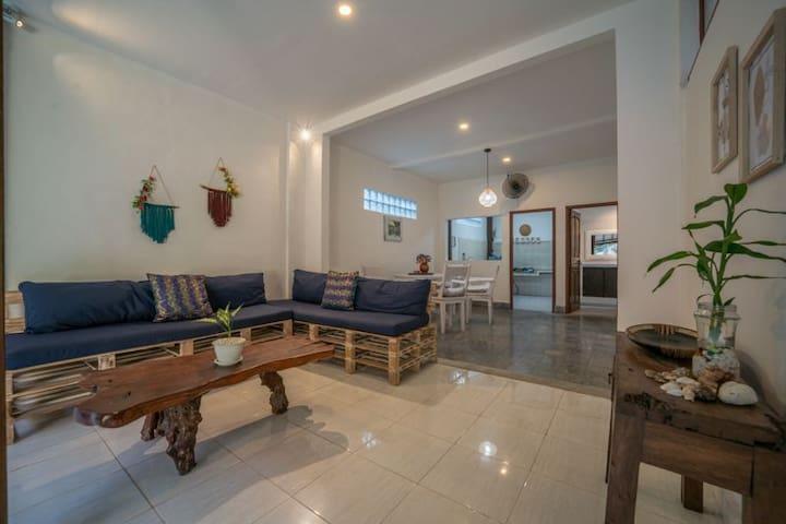 Seminyak Premium location!  1 BR villa