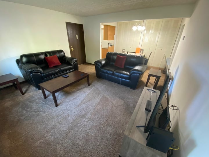 98-2|Cozy Creek-side 1-bedroom Apartment