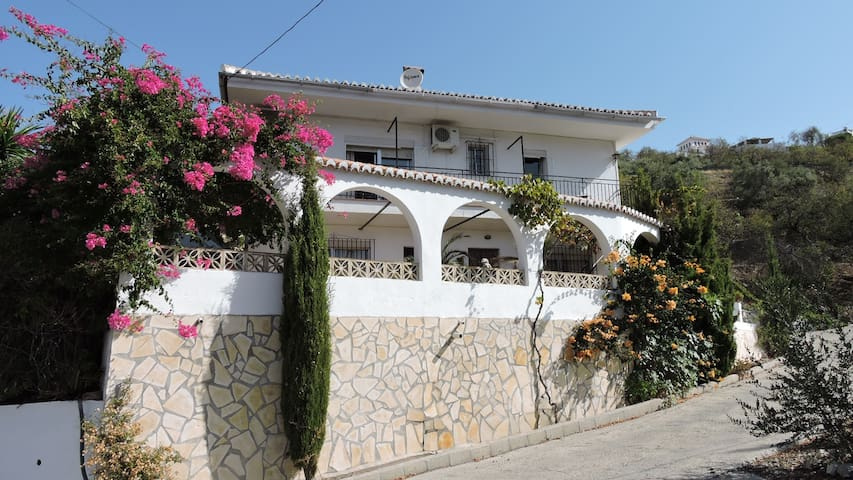 Casa Libertad - 2 Bedroom Apartment - Shared Pool - Competa - Leilighet