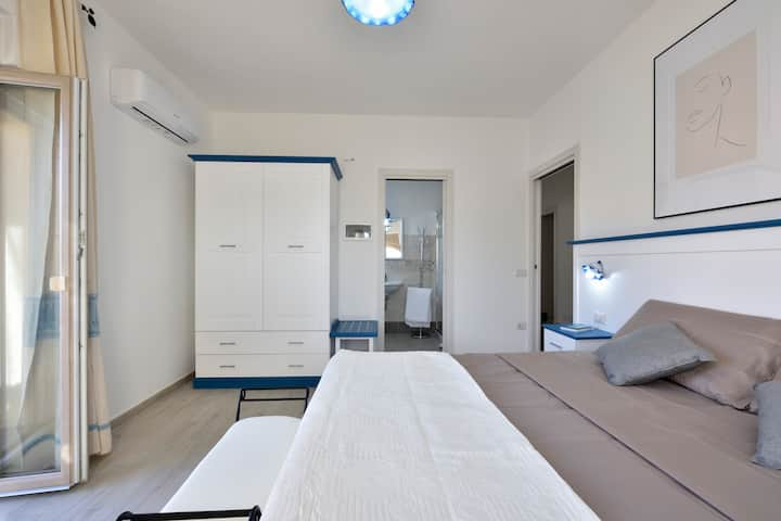 *** INAH Rooms*** 180 degree view