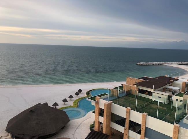 Apartamento en Campeche Country Club. Exclusivo.