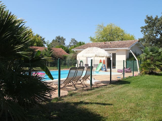 House with pool near Arcachon bay and Bordeaux - Le Barp - Дом